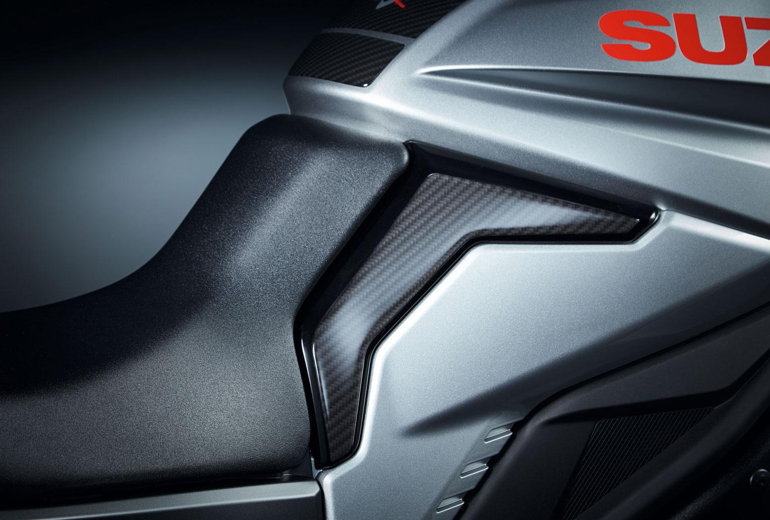 2019 新型KATANA SUZUKIサイドプロテクションステッカー